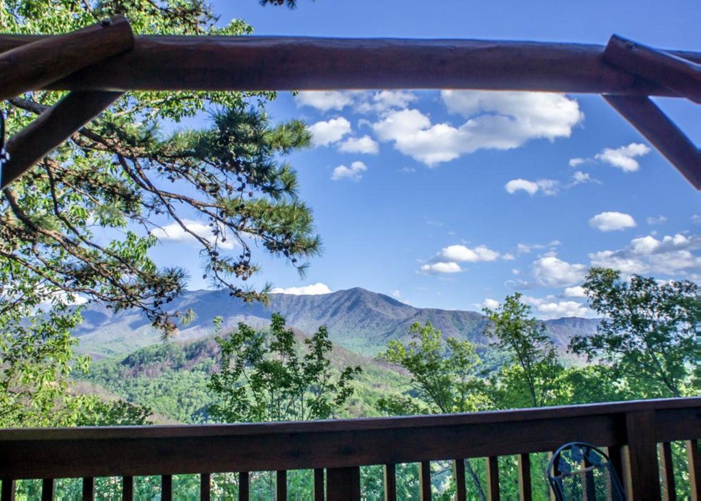 Photo of a Gatlinburg Chalet named King Of The Mountain - This is the twenty-seventh photo in the set.