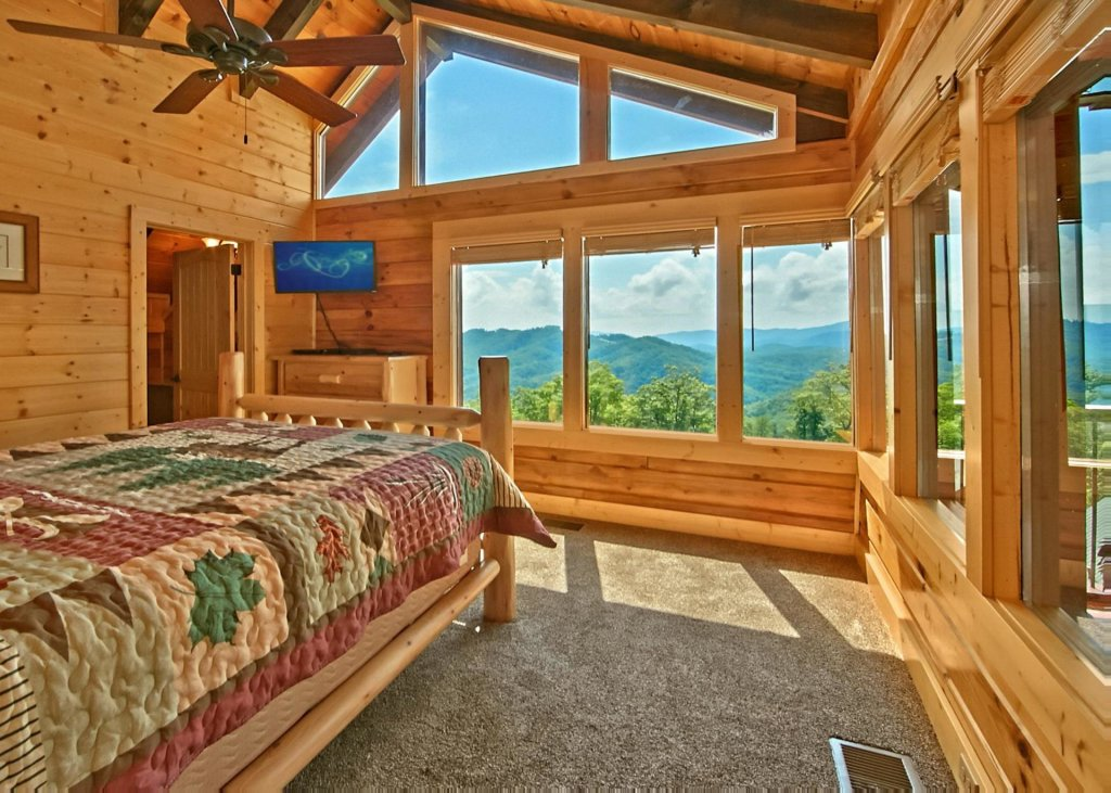 Photo of a Pigeon Forge Cabin named Summit Oasis #76 - This is the eleventh photo in the set.