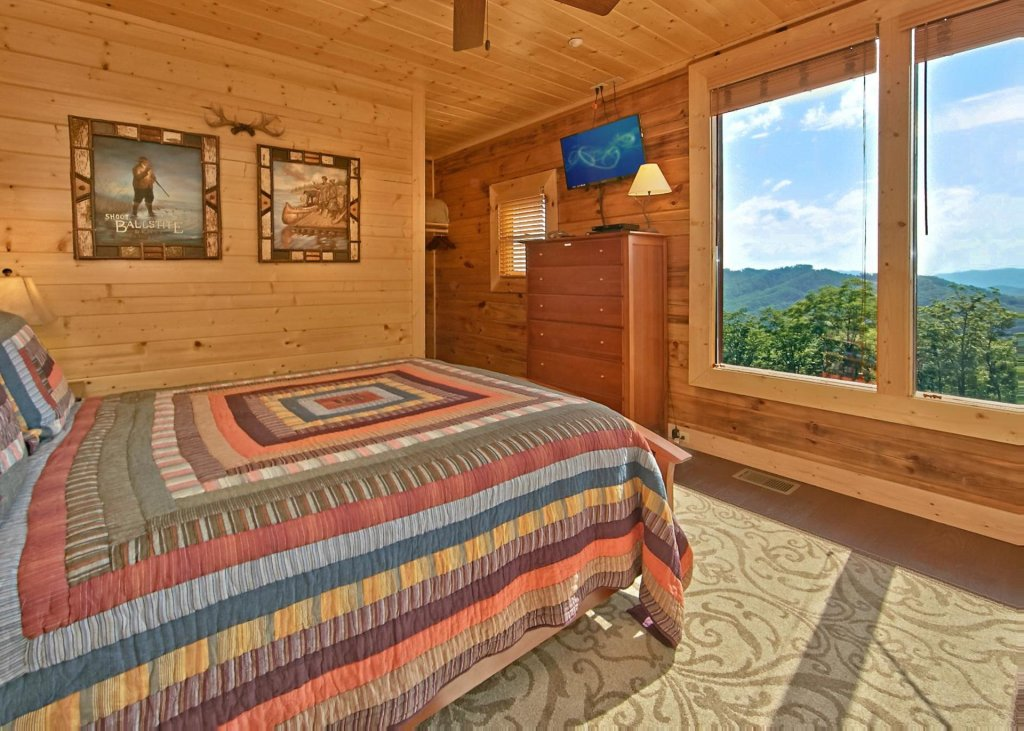 Photo of a Pigeon Forge Cabin named Summit Oasis #76 - This is the thirteenth photo in the set.
