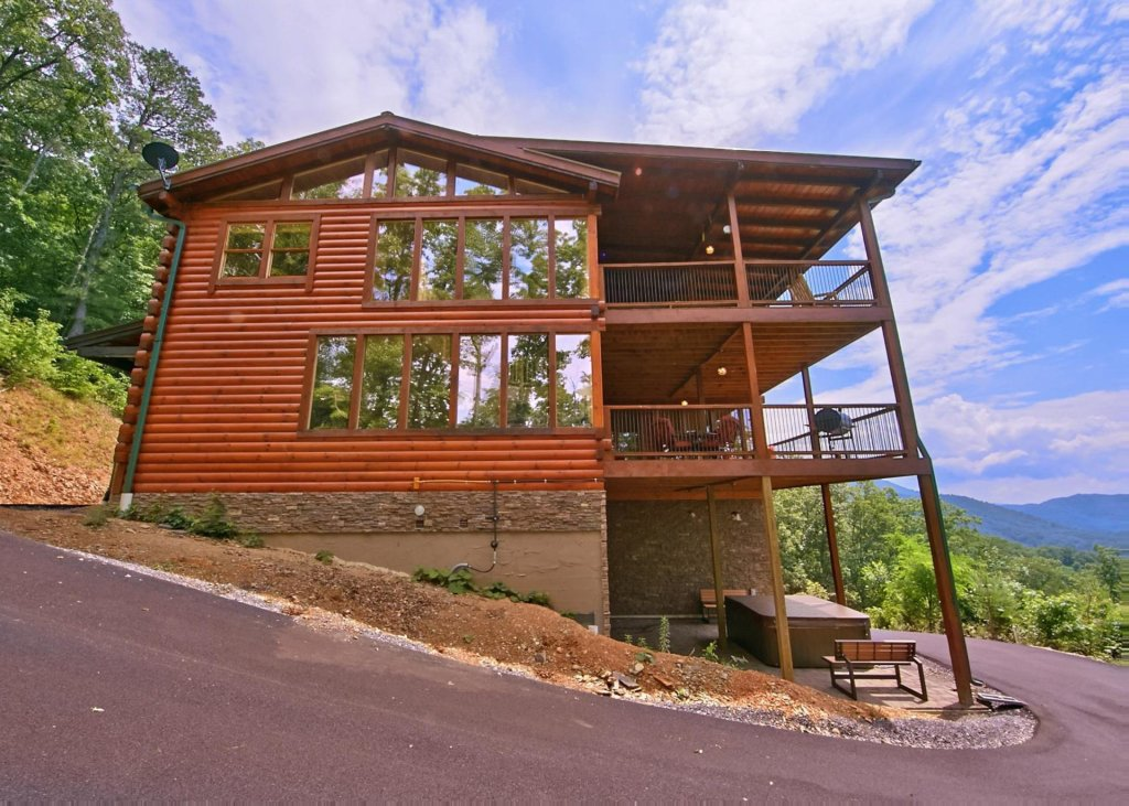 Photo of a Pigeon Forge Cabin named Summit Oasis #76 - This is the twenty-second photo in the set.