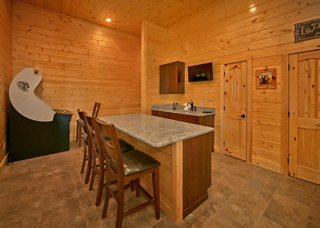 Photo of a Pigeon Forge Cabin named Summit Oasis #76 - This is the nineteenth photo in the set.