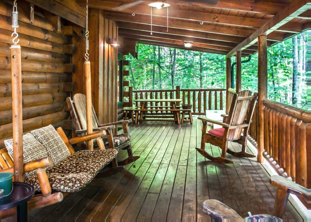 Photo of a Pigeon Forge Cabin named Mountain Music #19 - This is the first photo in the set.