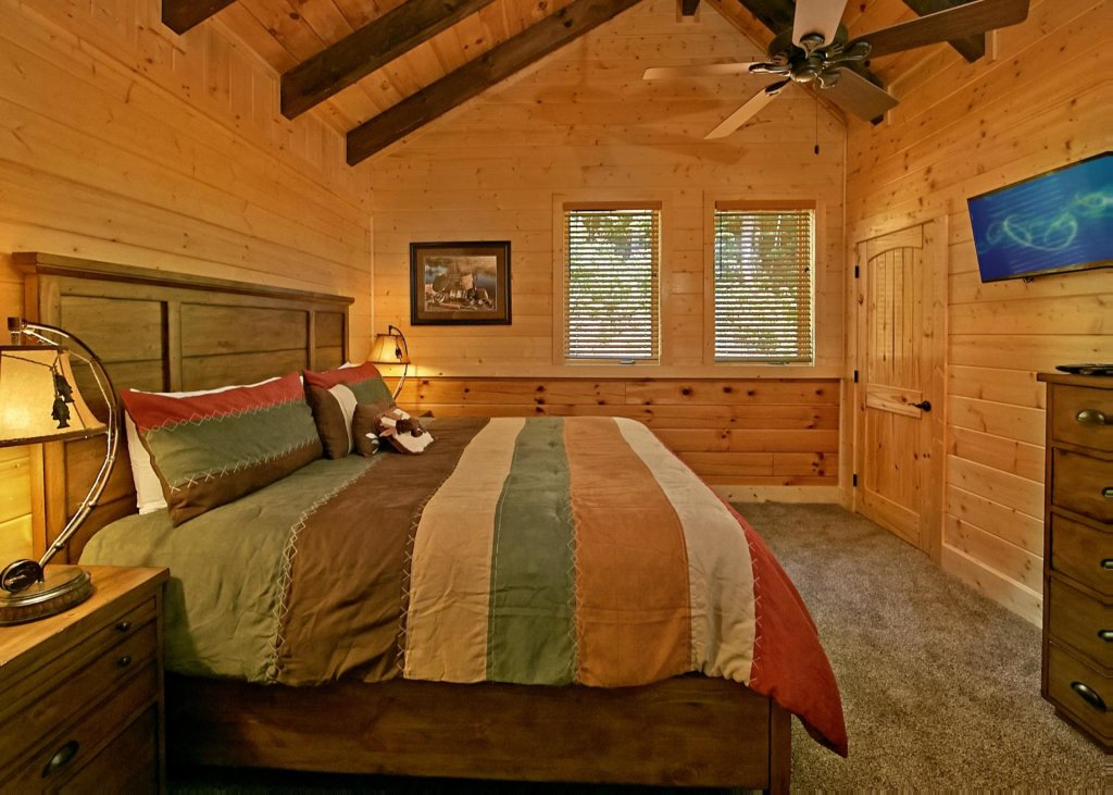 Photo of a Pigeon Forge Cabin named Summit Oasis #76 - This is the fourteenth photo in the set.