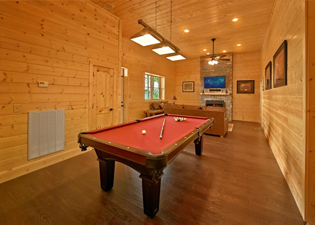 Photo of a Pigeon Forge Cabin named Summit Oasis #76 - This is the seventeenth photo in the set.