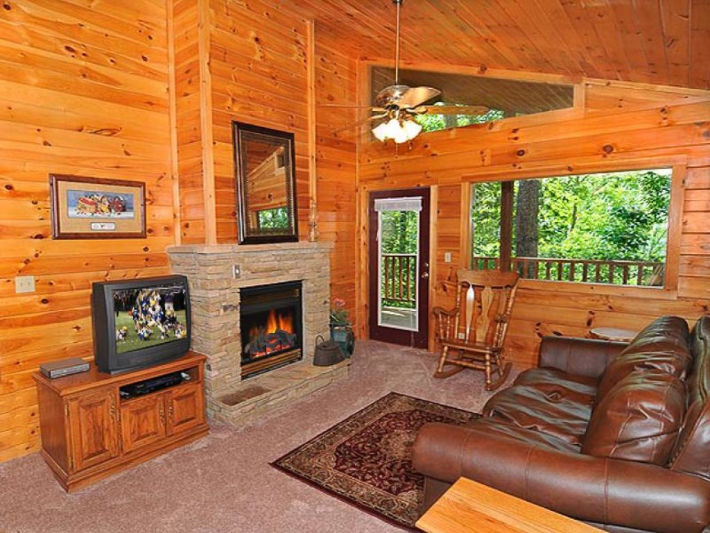 Photo of a Pigeon Forge Chalet named All About Romance - This is the third photo in the set.