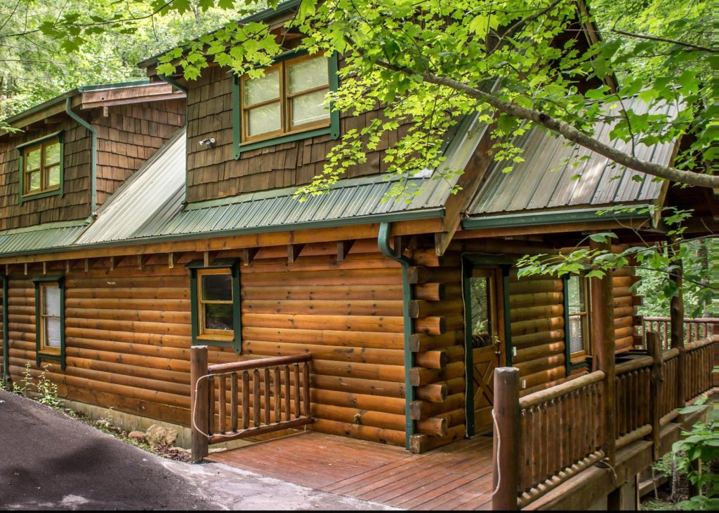 Photo of a Pigeon Forge Cabin named Mountain Music #19 - This is the second photo in the set.