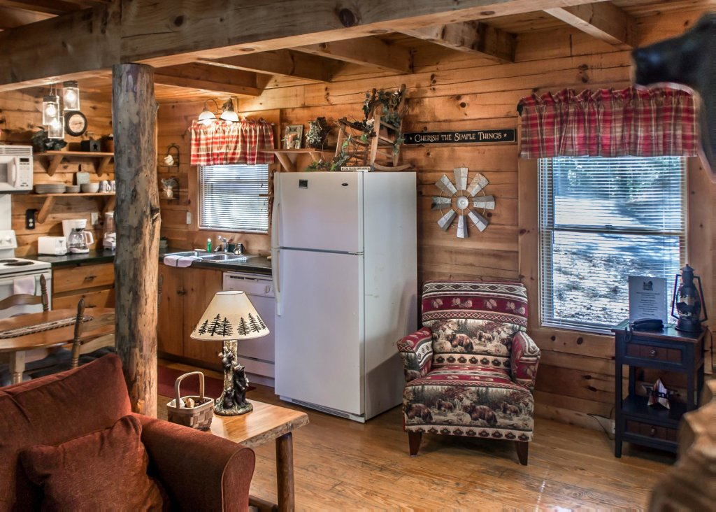 Photo of a Pigeon Forge Cabin named Simply Charming #9 - This is the seventh photo in the set.