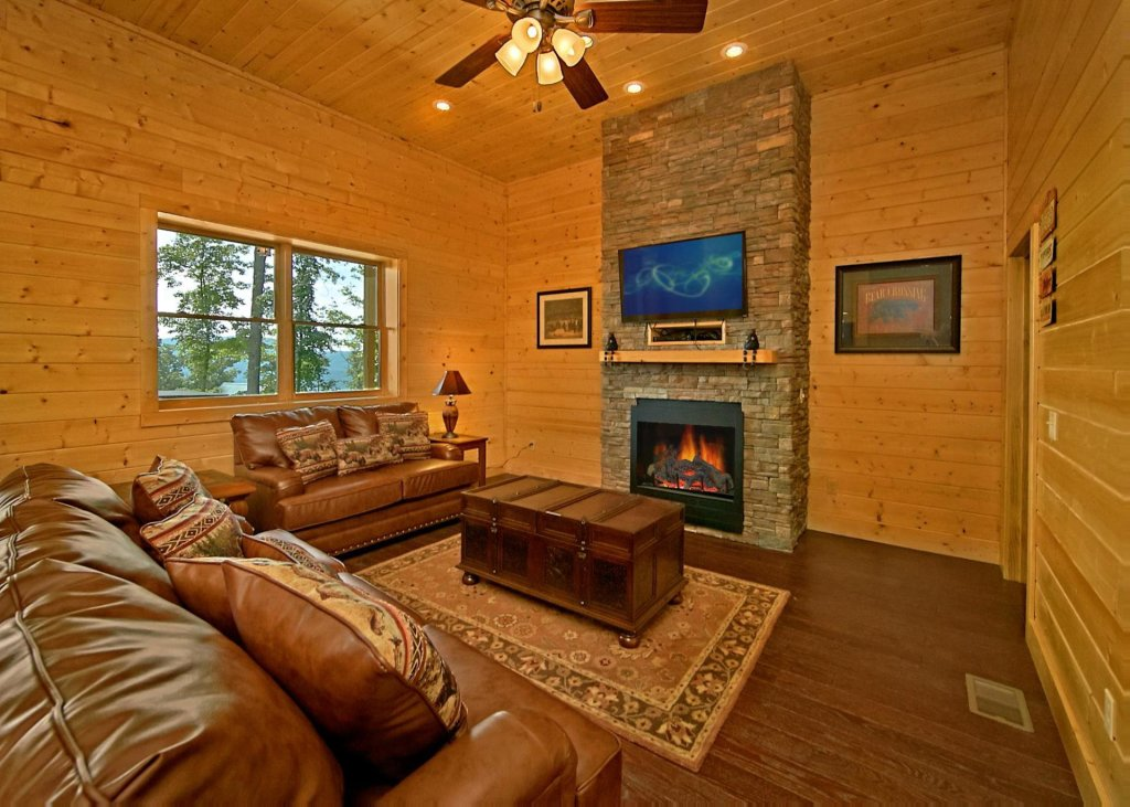 Photo of a Pigeon Forge Cabin named Summit Oasis #76 - This is the eighteenth photo in the set.