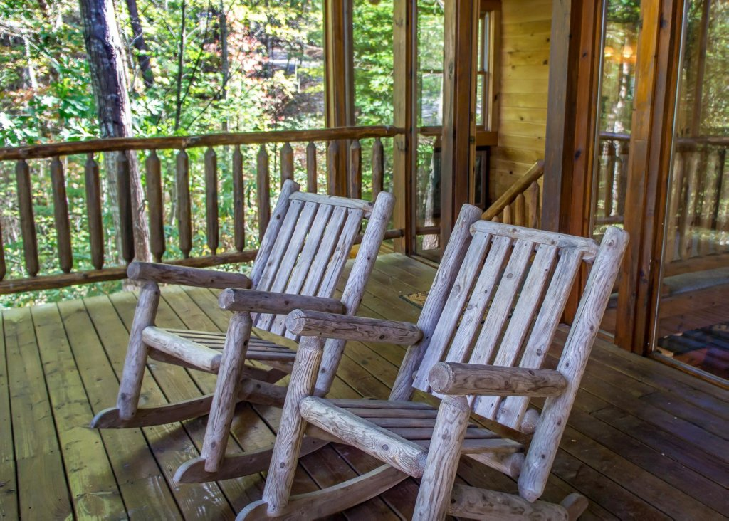 Photo of a Pigeon Forge Cabin named Simply Charming #9 - This is the eighteenth photo in the set.