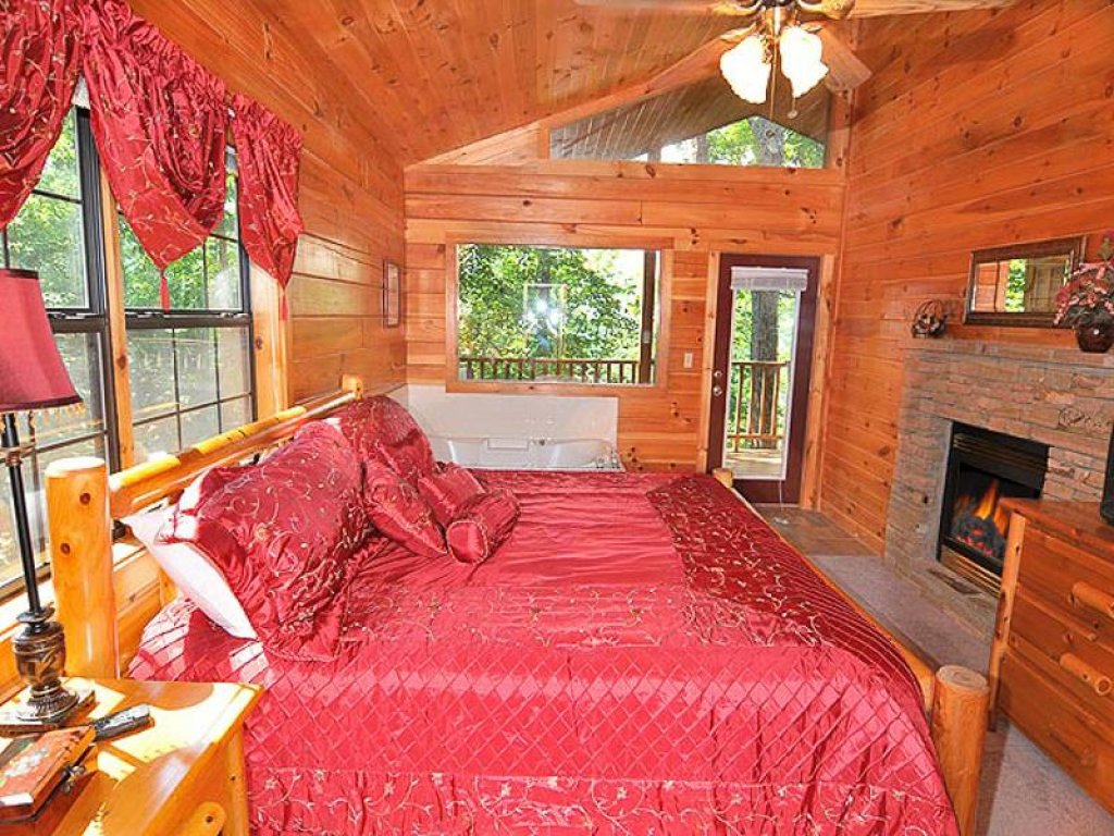 Photo of a Pigeon Forge Chalet named All About Romance - This is the seventh photo in the set.