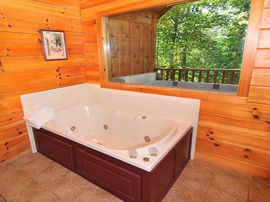 Photo of a Pigeon Forge Chalet named All About Romance - This is the tenth photo in the set.