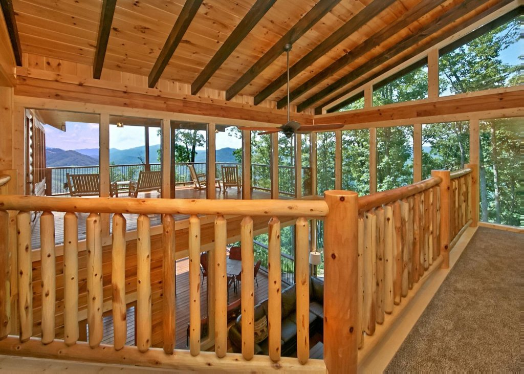 Photo of a Pigeon Forge Cabin named Summit Oasis #76 - This is the seventh photo in the set.