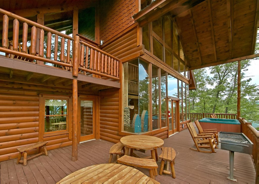 Photo of a Pigeon Forge Cabin named Majestic View A #42a - This is the second photo in the set.