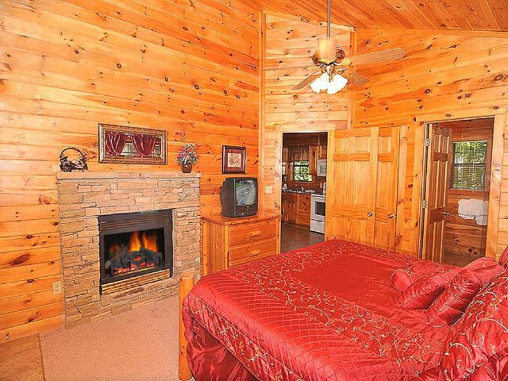 Photo of a Pigeon Forge Chalet named All About Romance - This is the eighth photo in the set.