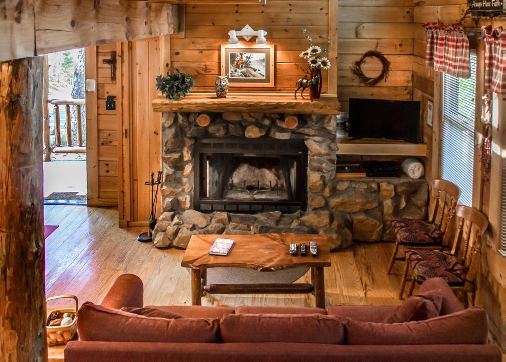 Photo of a Pigeon Forge Cabin named Simply Charming #9 - This is the sixth photo in the set.