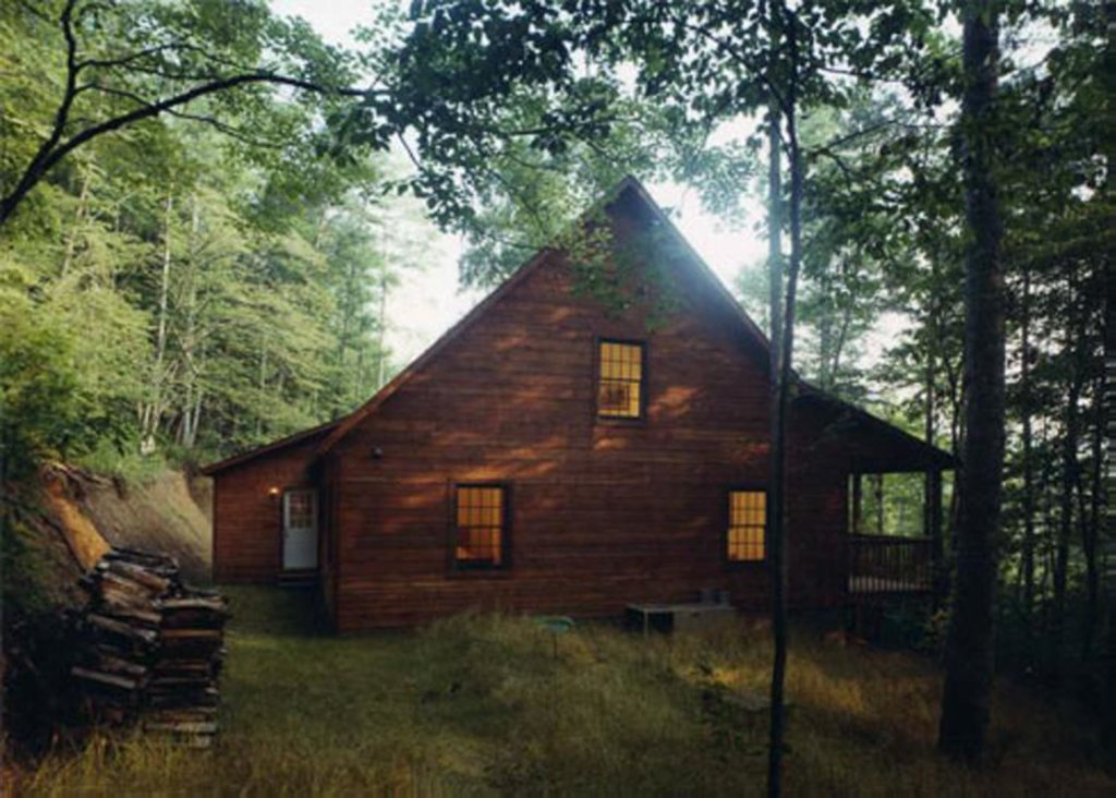 Photo of a Pigeon Forge Cabin named Eagles Nest - This is the second photo in the set.