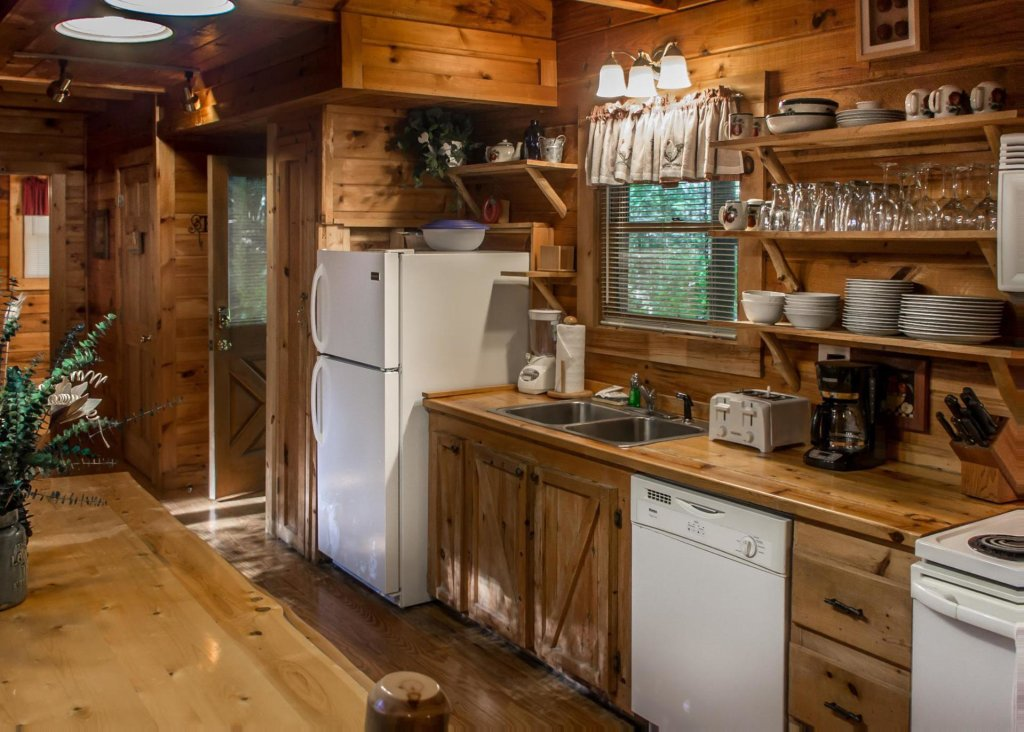 Photo of a Pigeon Forge Cabin named A Rustic Elegance #4 - This is the second photo in the set.