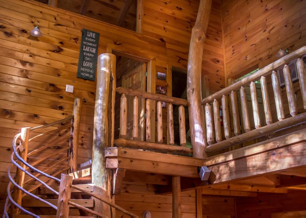 Photo of a Pigeon Forge Cabin named A Rustic Elegance #4 - This is the thirteenth photo in the set.
