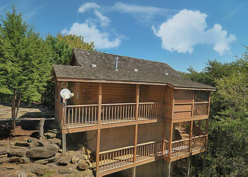 Photo of a Sevierville Cabin named A Cat's Meow - This is the second photo in the set.
