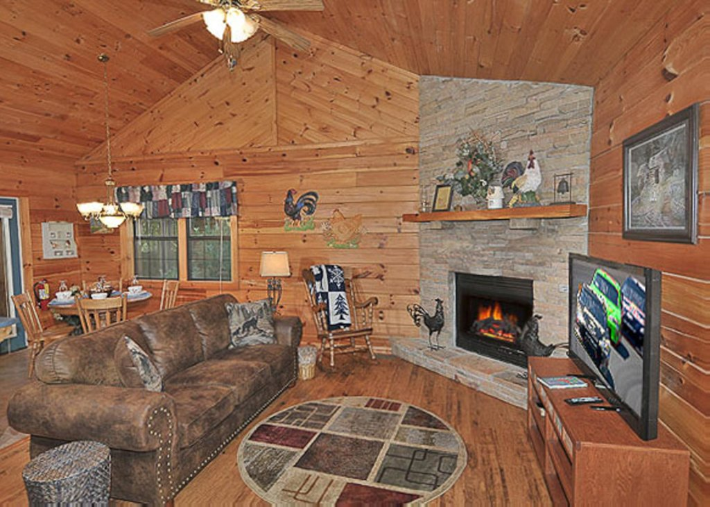 Photo of a Pigeon Forge Chalet named A Hen House - This is the sixth photo in the set.
