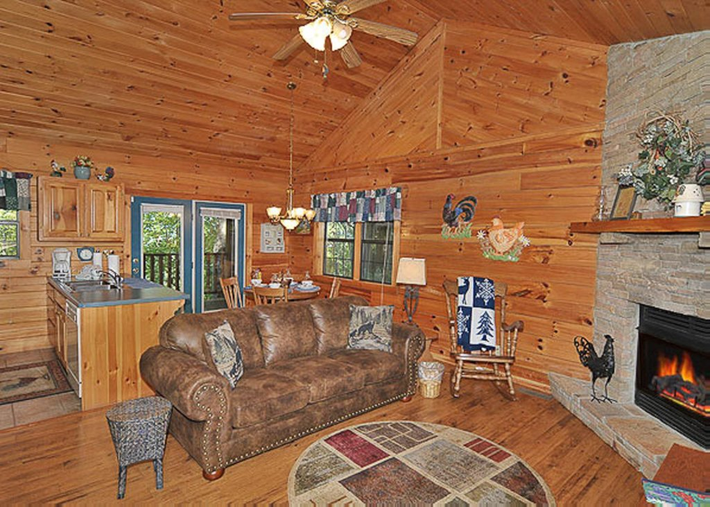 Photo of a Pigeon Forge Chalet named A Hen House - This is the fifth photo in the set.