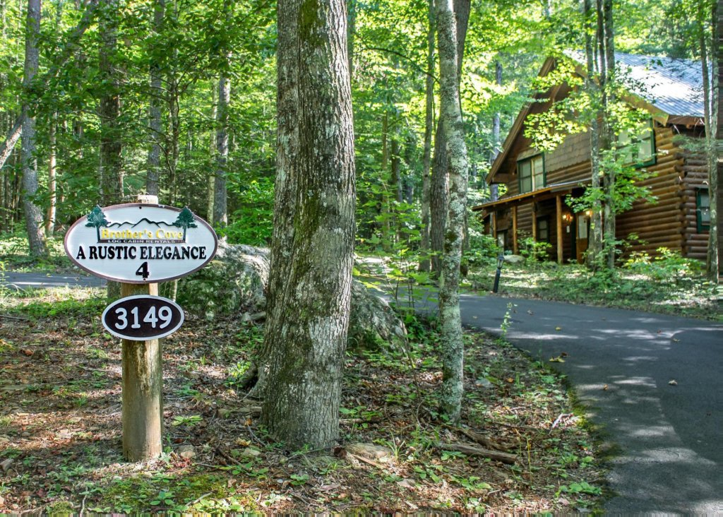 Photo of a Pigeon Forge Cabin named A Rustic Elegance #4 - This is the twenty-third photo in the set.