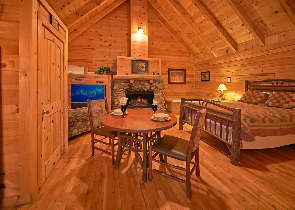 Photo of a Pigeon Forge Cabin named Majestic View B #42b - This is the fifth photo in the set.