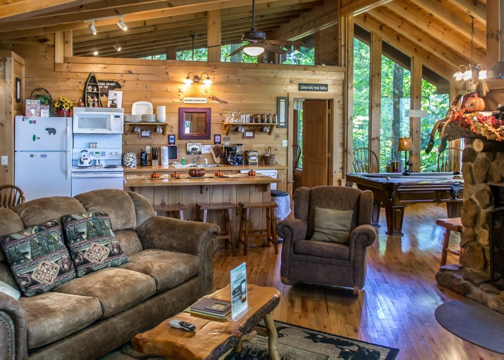 Photo of a Pigeon Forge Cabin named Amazing Grace #25 - This is the fifth photo in the set.