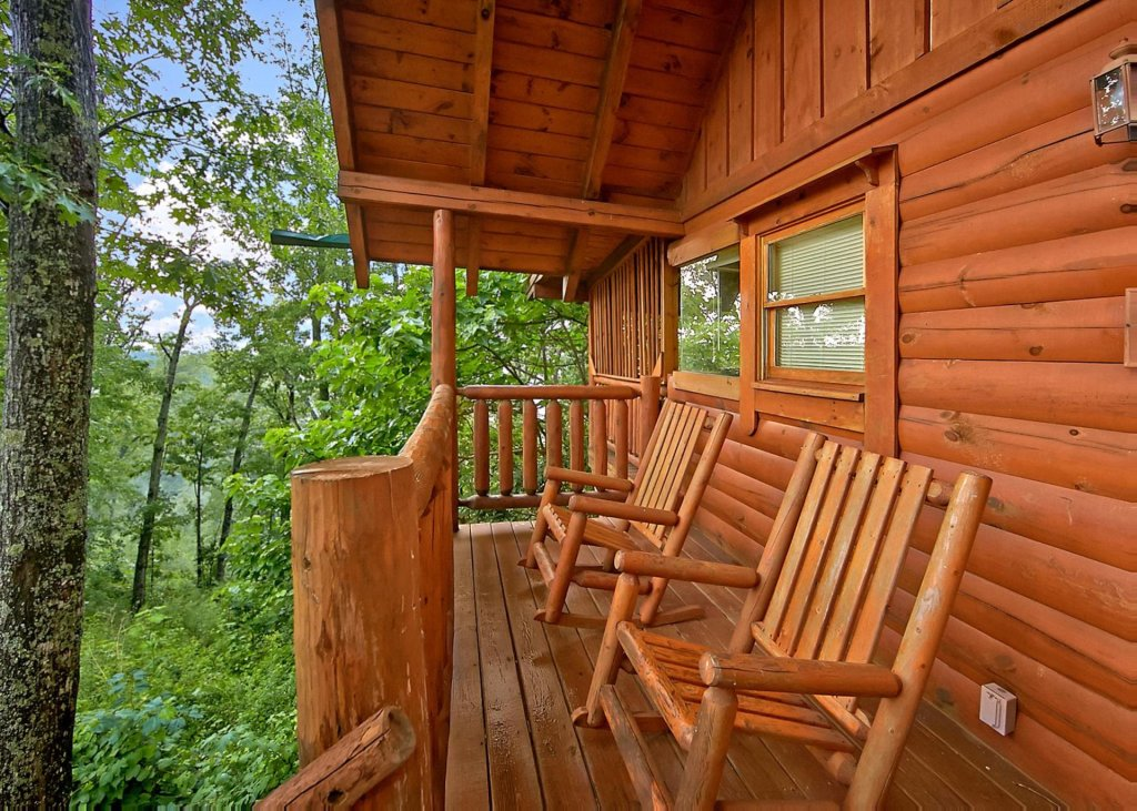 Photo of a Pigeon Forge Cabin named Majestic View B #42b - This is the second photo in the set.