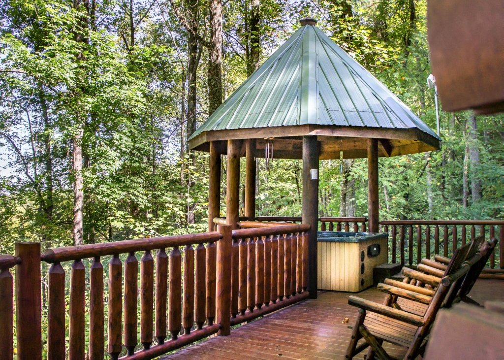 Photo of a Pigeon Forge Cabin named Amazing Grace #25 - This is the first photo in the set.