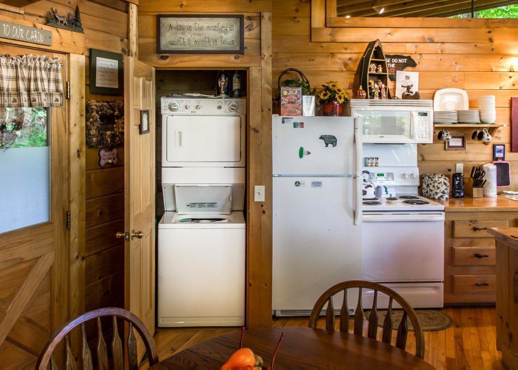 Photo of a Pigeon Forge Cabin named Amazing Grace #25 - This is the ninth photo in the set.