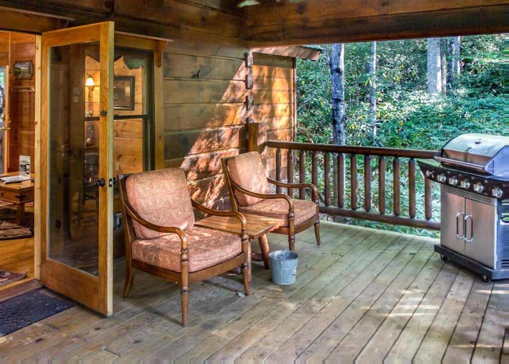 Photo of a Pigeon Forge Cabin named Bear Crossing #6 - This is the first photo in the set.