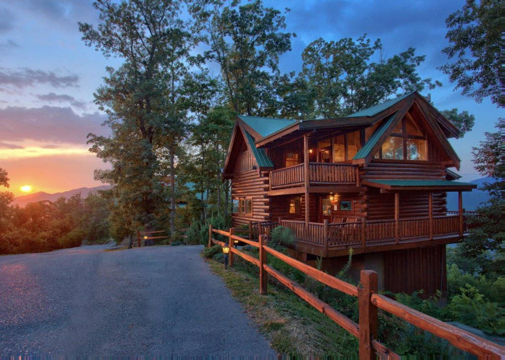 Photo of a Pigeon Forge Cabin named Simply Breathtaking #36 - This is the first photo in the set.