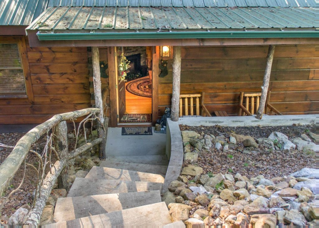 Photo of a Pigeon Forge Cabin named Bear Crossing #6 - This is the third photo in the set.