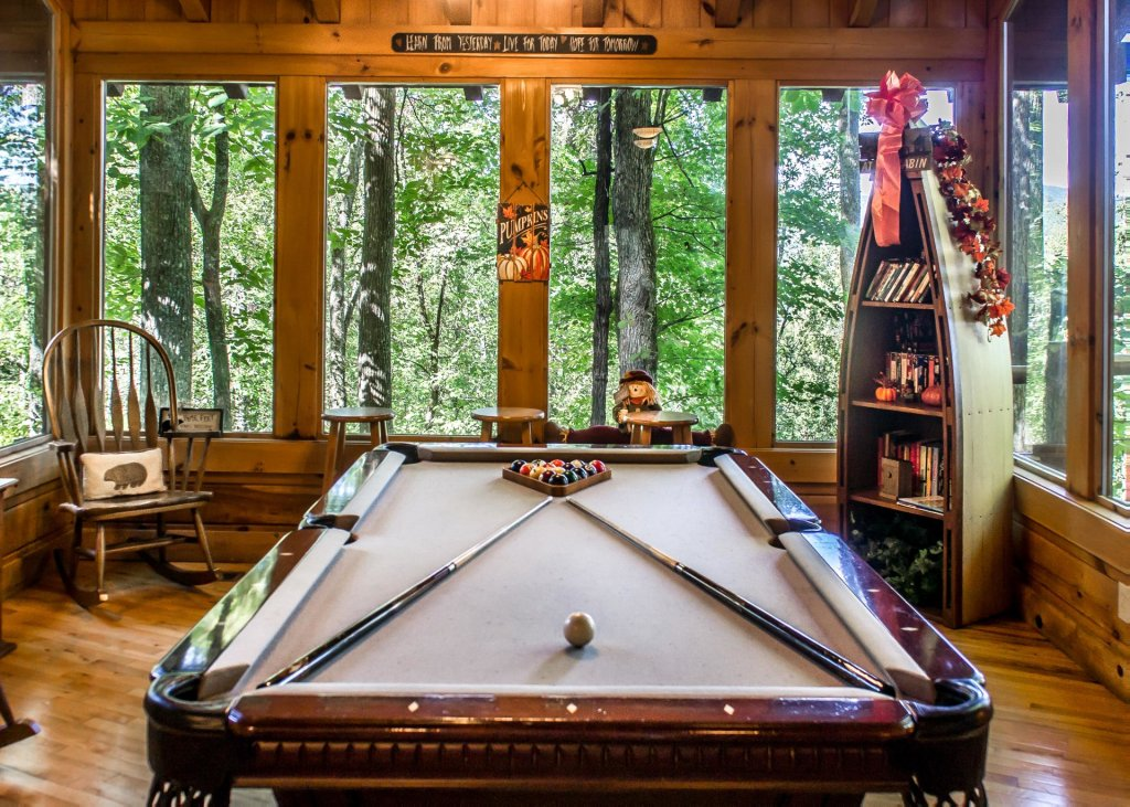 Photo of a Pigeon Forge Cabin named Amazing Grace #25 - This is the eleventh photo in the set.