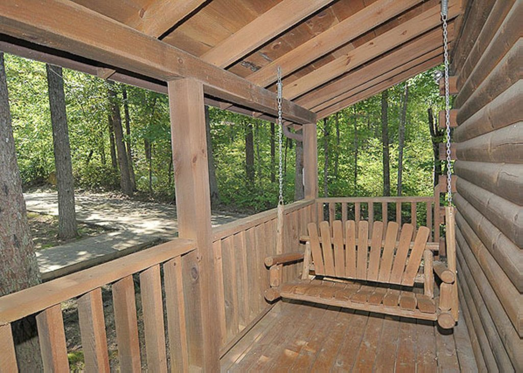 Photo of a Pigeon Forge Chalet named A Hen House - This is the thirteenth photo in the set.