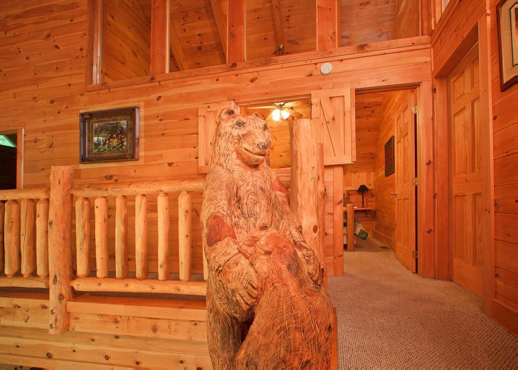 Photo of a Pigeon Forge Cabin named Bear Extraordinaire #28 - This is the fifteenth photo in the set.