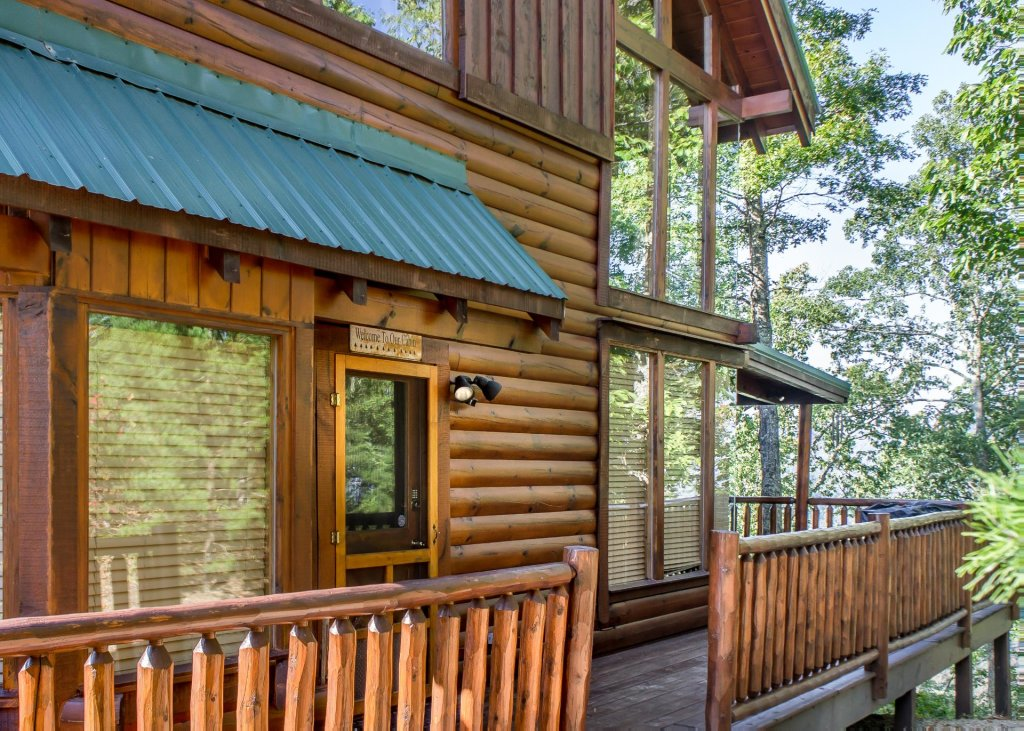 Photo of a Pigeon Forge Cabin named Bear Track Inn #59 - This is the second photo in the set.