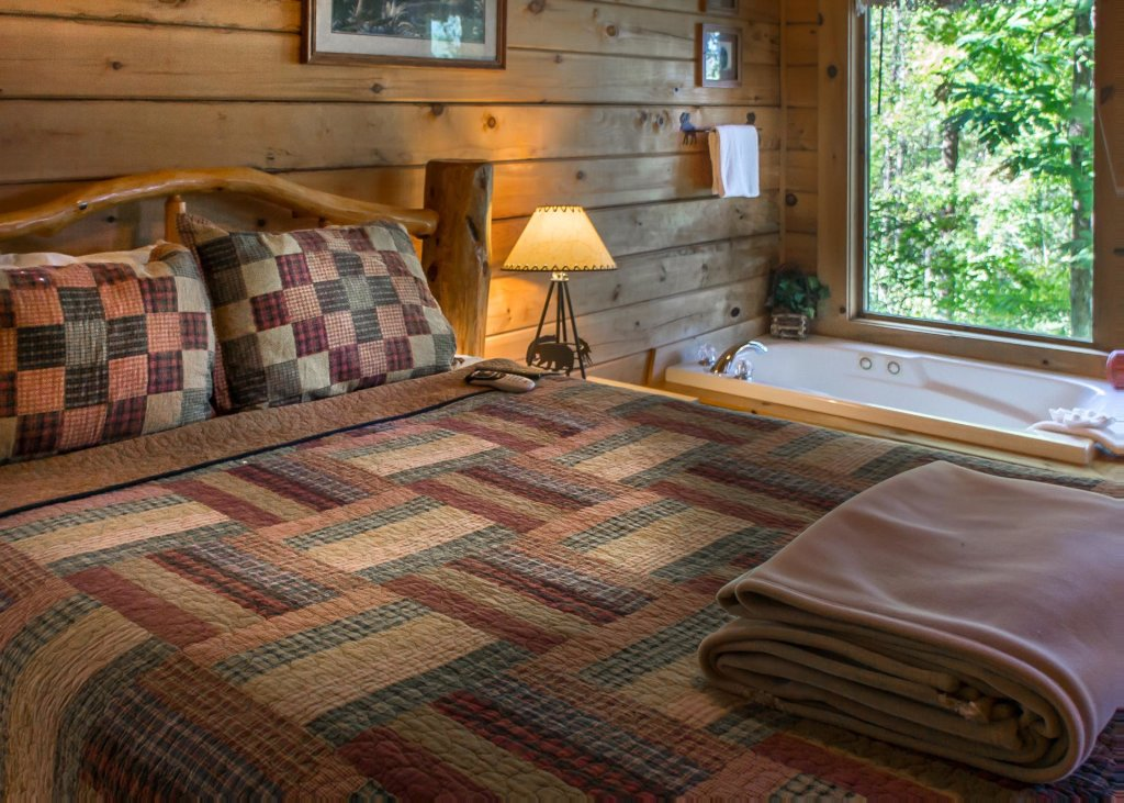 Photo of a Pigeon Forge Cabin named Amazing Grace #25 - This is the fifteenth photo in the set.