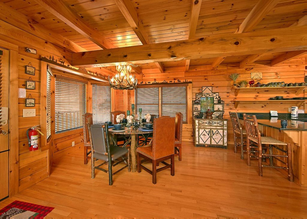 Photo of a Pigeon Forge Cabin named Highland Lodge #61 - This is the sixth photo in the set.