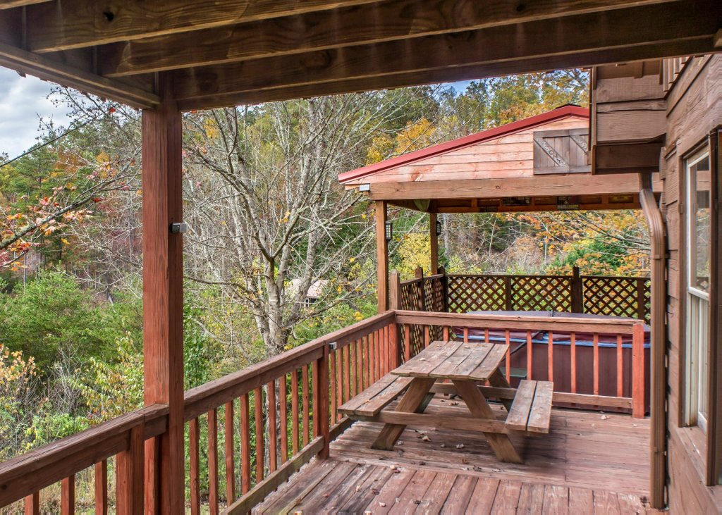 Photo of a Pigeon Forge Cabin named Leconte Nirvana  - This is the twentieth photo in the set.