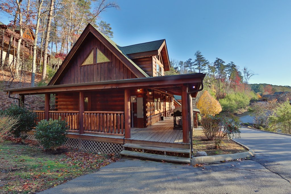 Photo of a Pigeon Forge Cabin named A Little Slice Of Heaven - This is the first photo in the set.