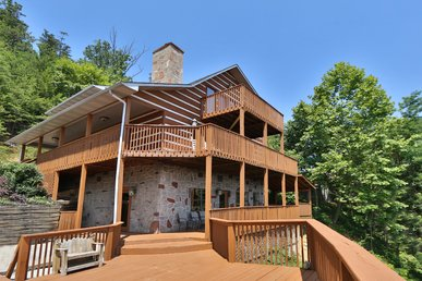 Smoky View Top Shelf a six bedroom cabin located minutes from Dollywood.