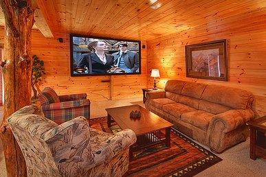 3 Bedroom Luxury Gatlinburg Cabin with 9 Foot Theater Screen