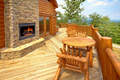 High End 3 Bedroom Cabin with Amazing Views