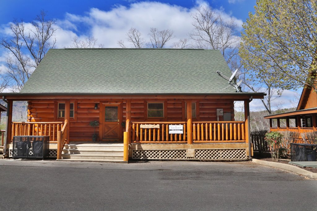 Photo of a Pigeon Forge Cabin named Wild Adventures - This is the ninth photo in the set.