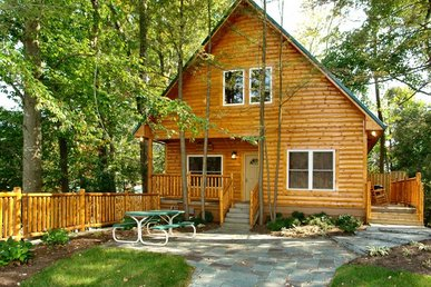 Black Bear Hideaway Cabin - Downtown Gatlinburg Near Convention Center