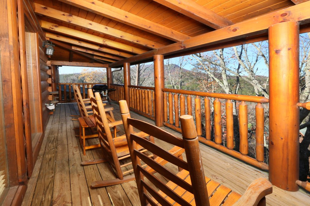 Photo of a Pigeon Forge Cabin named Any Way You Want It - This is the third photo in the set.