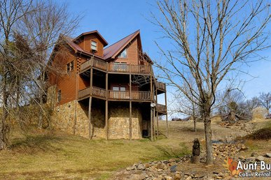 5 Bedroom Smoky Mountain Cabin Close to Dollywood and Pigeon Forge Parkway