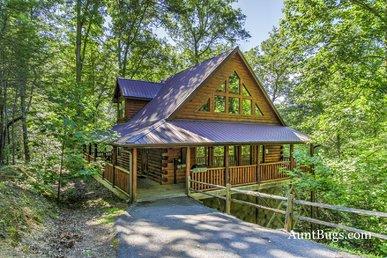 Luxury 2bedroom Resort cabin 5 miles from downtown Gatlinburg & Pigeon Forge
